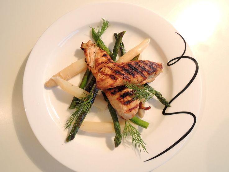 Grillet kylling med asparges
