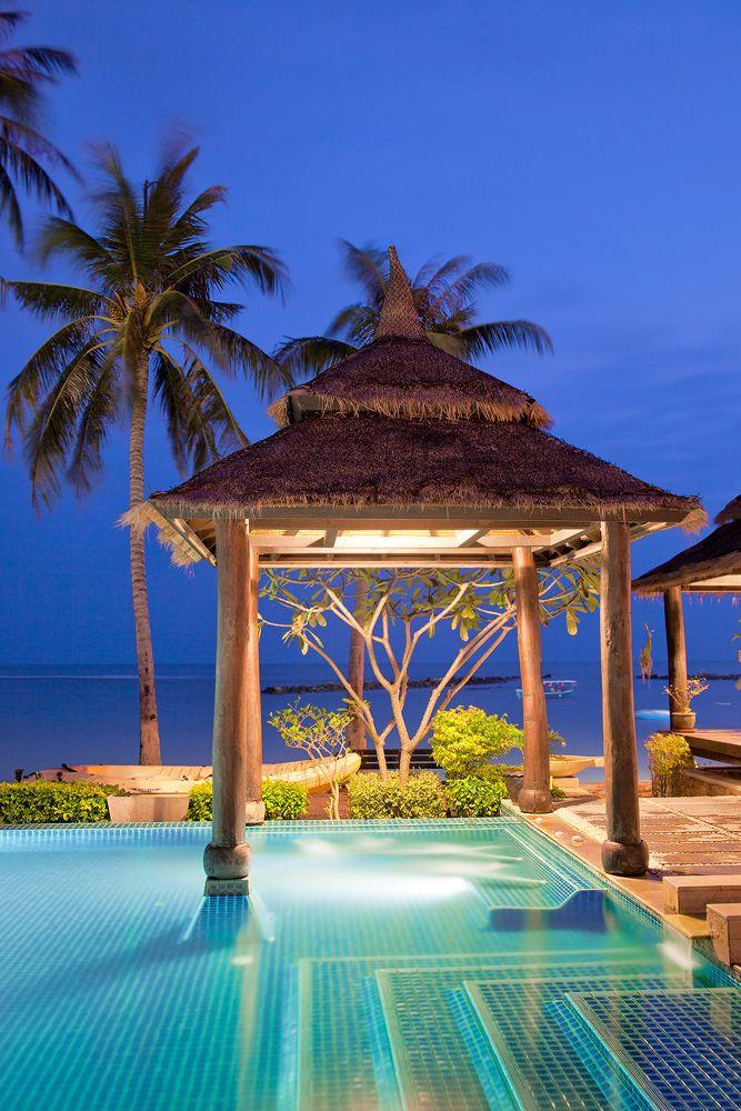 A pool overlooks de sea at a Thai resort on Lamai beach in Ko Samui_ Thailand
