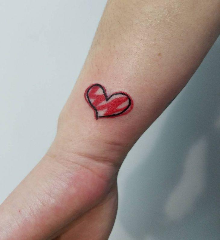 The 25 Best Tattoo Fixers Ideas On Pinterest: Best 25+ Small Heart Tattoos Ideas On Pinterest