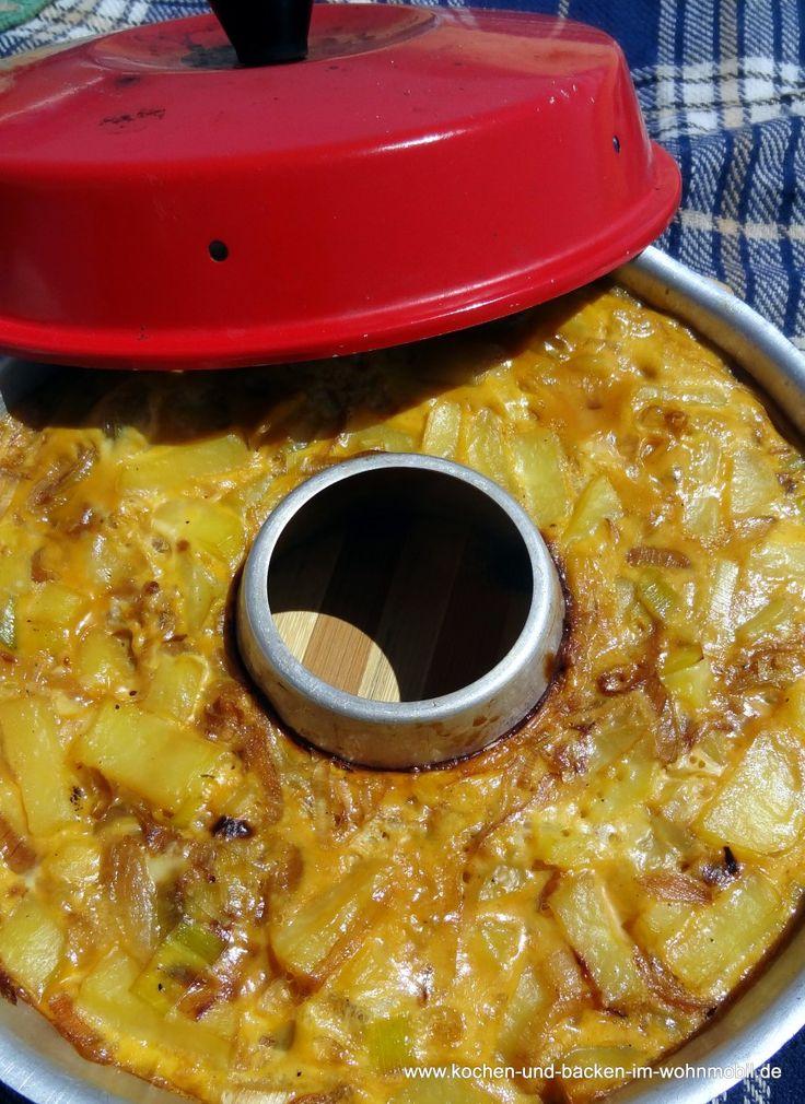 Spanische Tortilla... ...ist eines unserer Lieblings-Standard-Immer-Wieder-Kochen-Essen-Und-Genießen-Gerichte. Lecker, vielseitig und gut ...