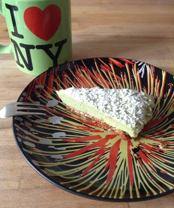 La première fois que j'ai dégusté ce cheesecake cru aussi appelé Raw Key Lime Pie, ce n'était pas prévu, j'avais commandé autre chose sur la carte mais ils n'en avaient plus, je me suis rabattue su…