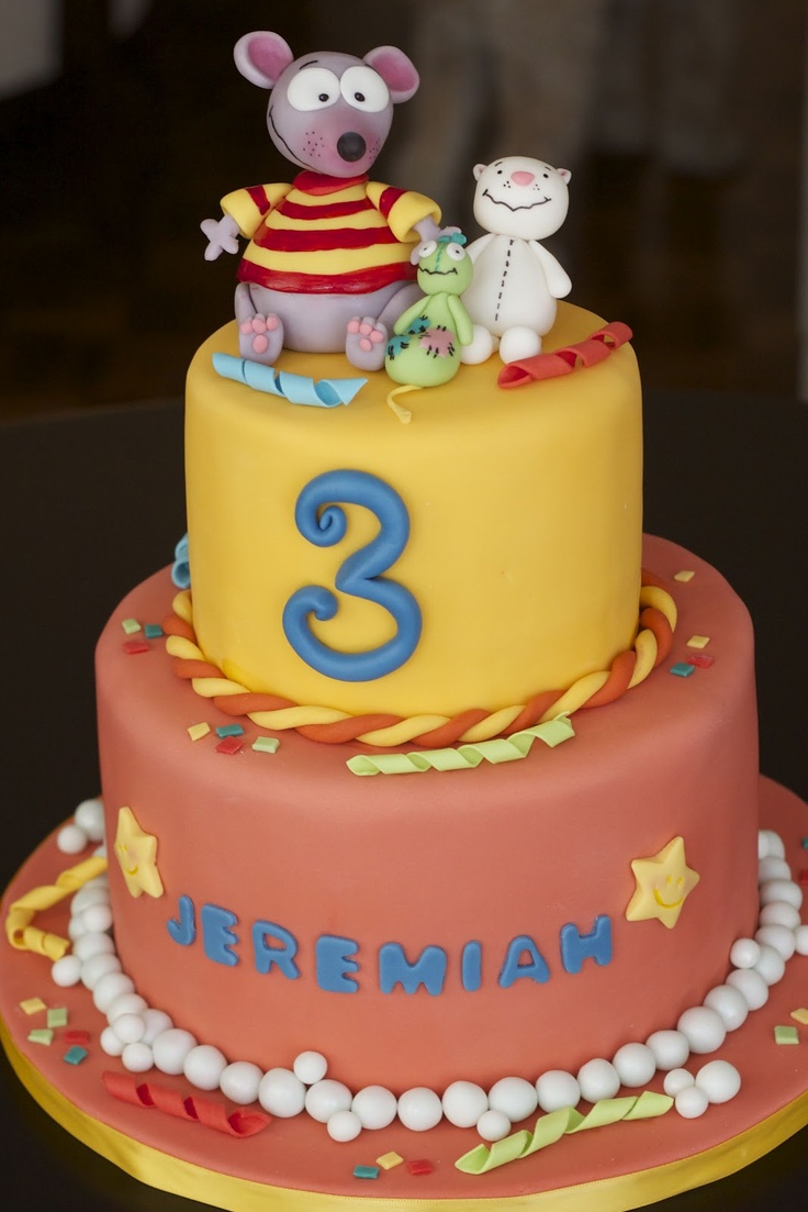 zi want this cake for my little Guy's Birthday. He LOVES Toopy and Binoo!!!! Sweet-D Cakes: A Toopy and Binoo birthday!