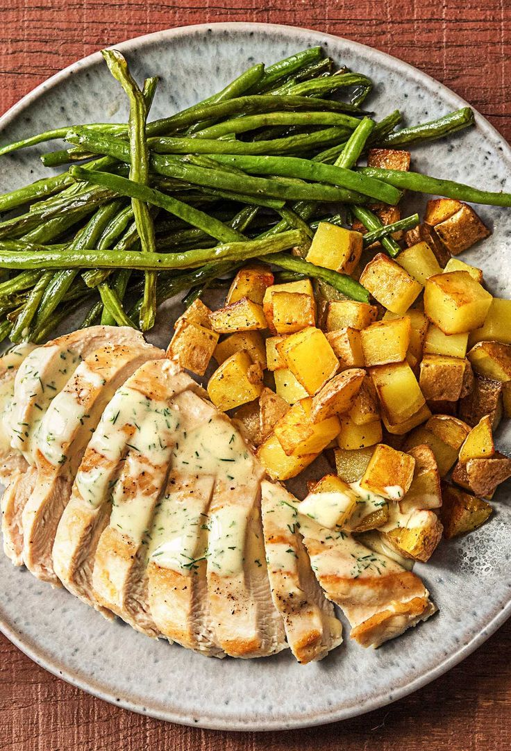 Easy chicken recipe with a creamy dill sauce | More wholesome recipes on hellofresh.com
