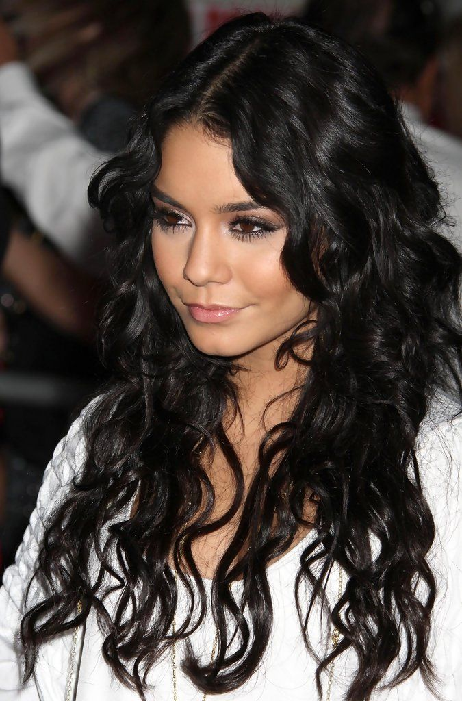 Vanessa Hudgens - 'High School Musical 3: Senior Year' Los Angeles Premiere B