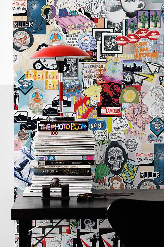 Sticker+art+is+a+distinct+subgenre+within+street+art.+This+free+interpretation+of+the+art+form+translates+into+a+colorful+wallpaper+design+that+delivers+a+strong+character+to+any+type+of+room.