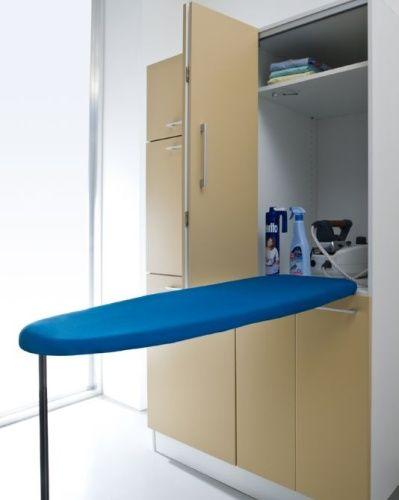 Da Birex, il programma Idrobox: colonna attrezzata con asse da stiro a scomparsa e ante a soffietto. Prezzo complessivo della composizione 1.314 euro