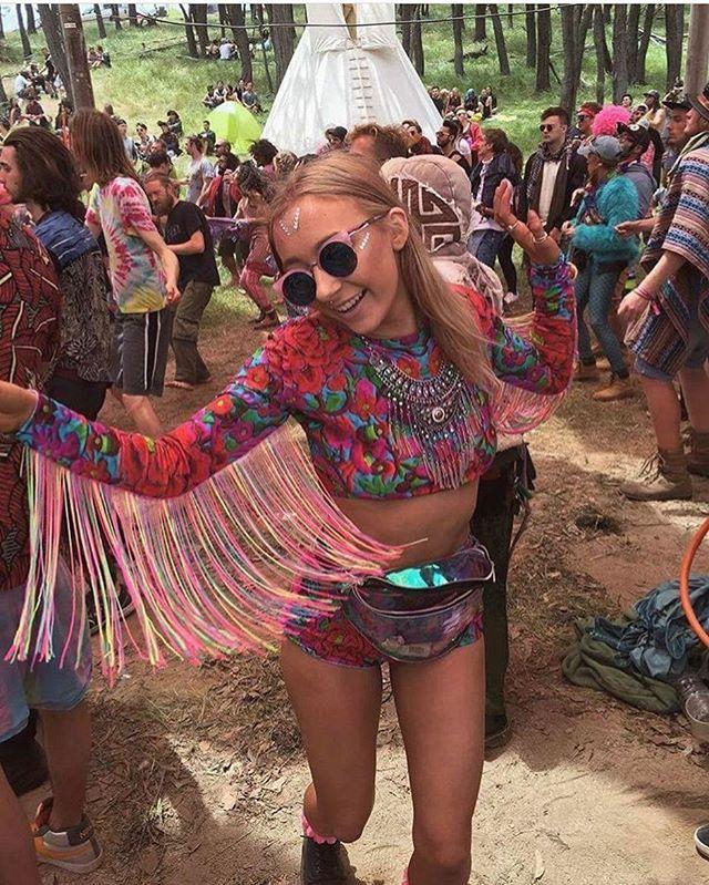 @sineadleamerrr looking amazing at rainbow serpent in her rainbow L.O.M! #rainbow #rainbowserpent #festival #festivalfashion #croptop #hotpants #sequins #ootd