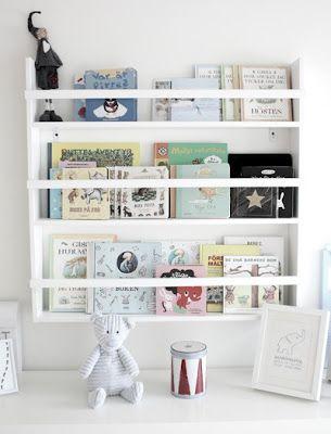 Kids books on display. Bookshelf. Sabina Hagbo Smycken: Bebisrum / Pojkrum!