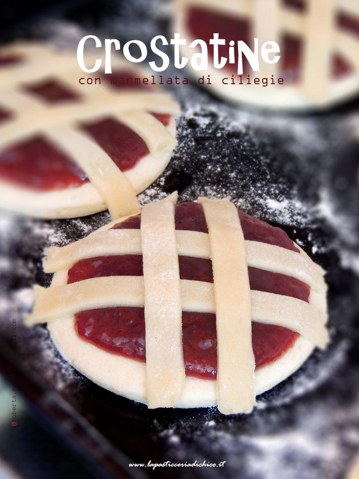 Per un sano e corretto stile di vita, ho unito la fragranza della pasta frolla ad una bona e dolce marmellata di ciliegie!!! Colazioni e merende salutari con le CROSTATINE CON MARMELLATA DI CILIEGIE! #merenda #crostata #marmellata #sana #colazione #ciliegie #vitasana #cosebuone #lapasticceriadichico  Trovate qui la ricetta: http://www.lapasticceriadichico.it/…/crostatine-con-marmell… Trovate qui la video ricetta: https://www.youtube.com/watch?v=6iNP9nzKf_4