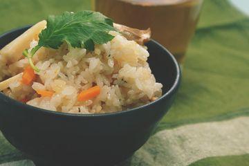 エリンギで松茸ご飯?!ちょっと矛盾してますが、風味も食感も似てるんです☆松茸は普段なかなか買えませんが、エリンギだったらすぐに挑戦できちゃいますよ♪