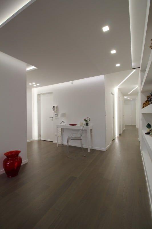 Foto di ingresso, corridoio & scale in stile in stile minimalista : appartamento a palermo - 2015 | homify
