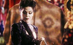 Let's just take a second to reminisce about this lovely scene #EvilRegal