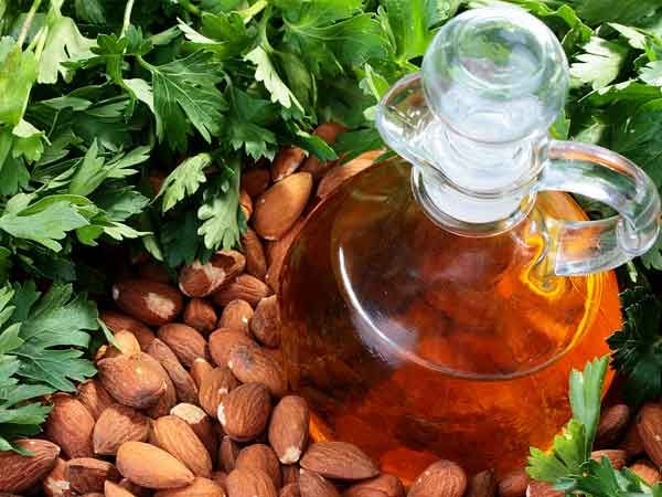 Mix almond oil with honey for healthy skin and prevent #wrinkles.