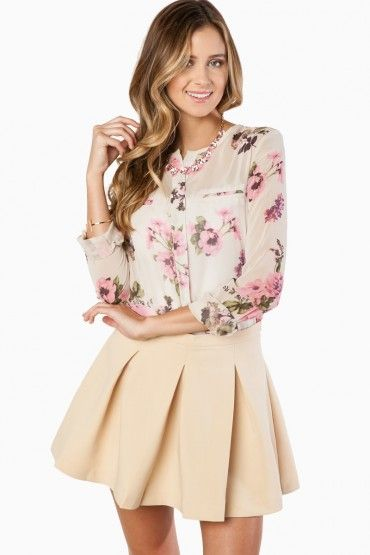 Flirt And Flare Skirt in Beige