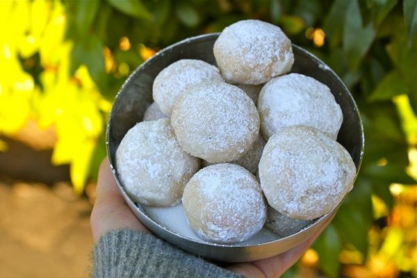 Snowball Cookies (Mexican Wedding Cookies)