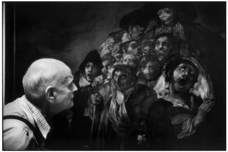 Henri CARTIER-BRESSON admiring a painting by GOYA. . Prado Museum, 1993 by MARTINE FRANCK