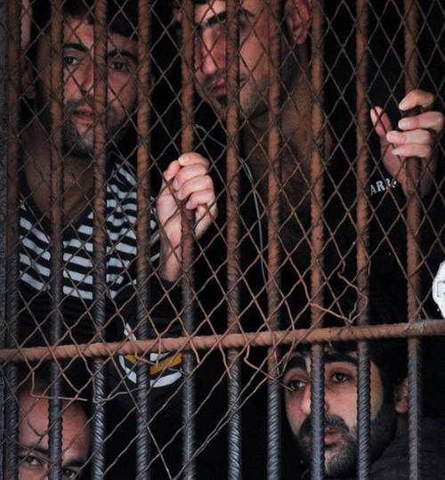 """Tell EU Member States: Save Greek """"undesirables"""" from internment camps!"""