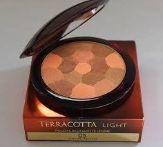 http://www.fapex.es/guerlain/terracotta-light-polvos-con-efecto-bronceado/