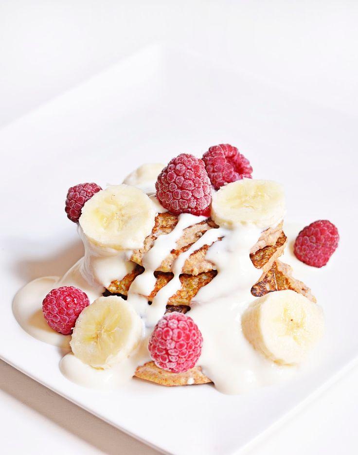 En fait, je constate que la recette de mon bowlcake  peut se décliner de plusieurs façons !  Alors voici une recette de pancakes sans sucr...
