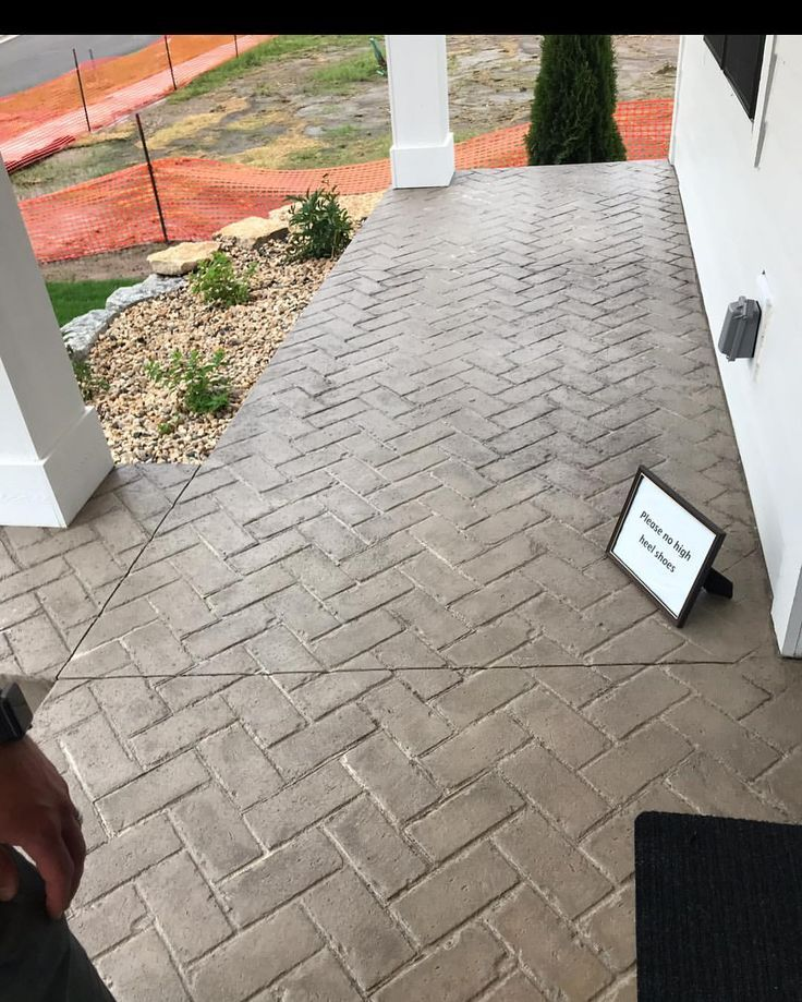 Pin By C Her On Landscape In 2020 Stamped Concrete Patio