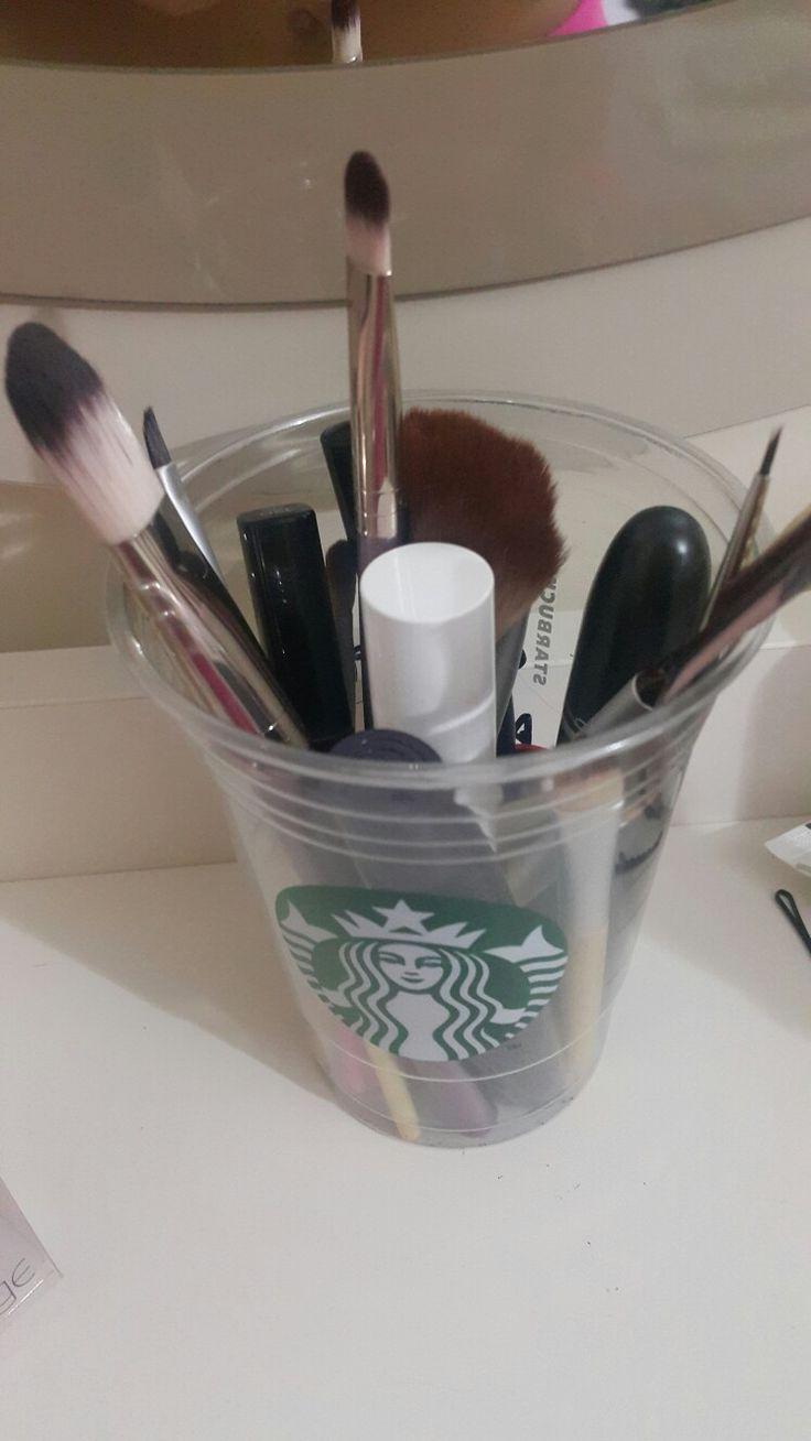Makyaj fırçaları için :)
