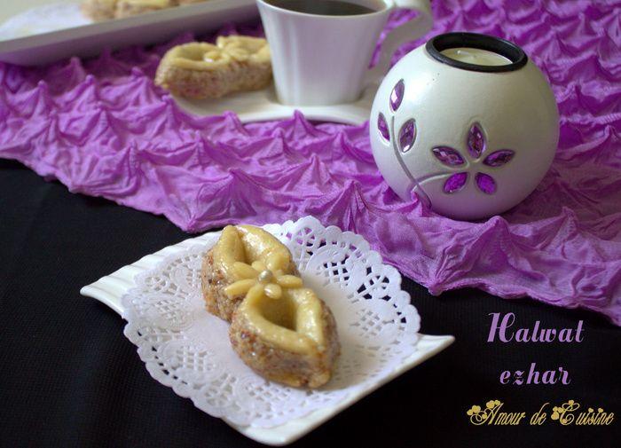 halwat ezhar gateau algerien de la fete de l'aid Bonjour tout le monde, Halwat ezhar, ou gâteau la chance, je ne sais pas pourquoi la créatrice de ce gâteau algérien au miel, lui a donner ce nom? mais reste que ce gâteau est juste un délice, il est très beau, super facile a réaliser, et ...
