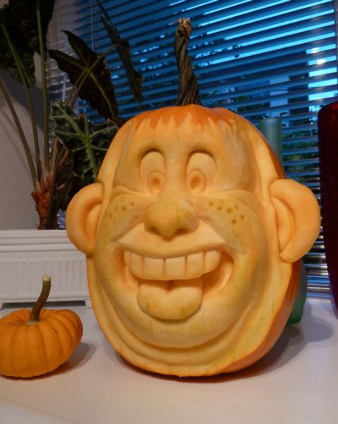 Funny face pumpkin carving holiday decorations pinterest
