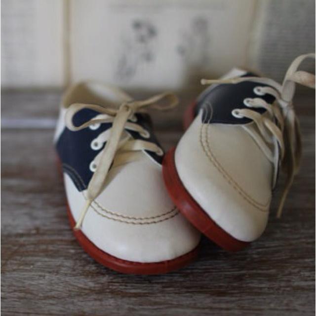 Vintage saddle Oxford baby shoes
