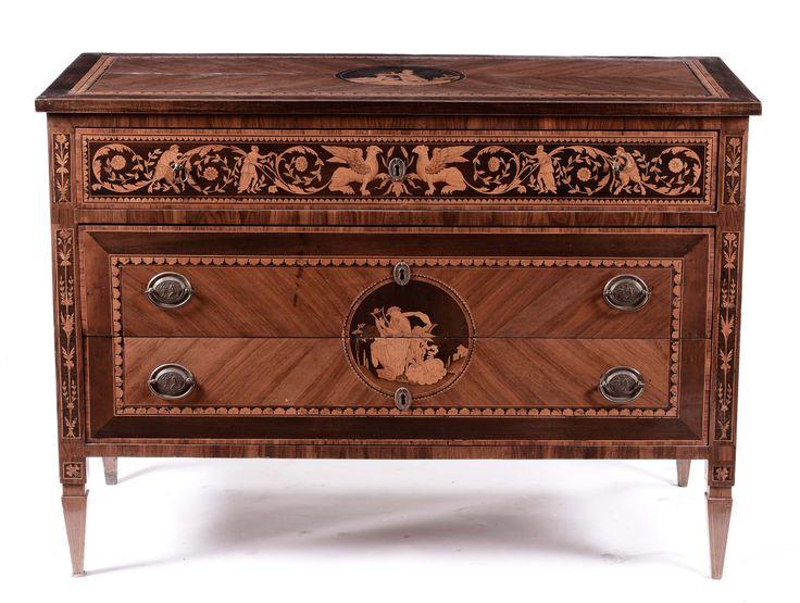 Coppia di cassettoni lastronati e riccamente intarsiati alla maniera di Maggiolini, Lombardia XIX se ...