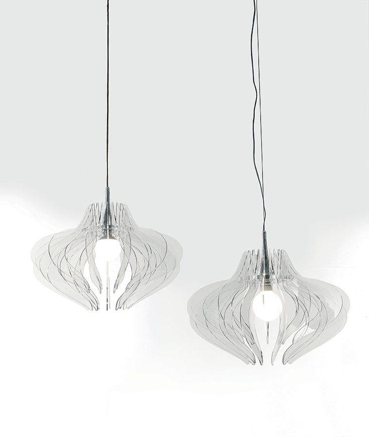 Medusa, la lumière pendue à un fil