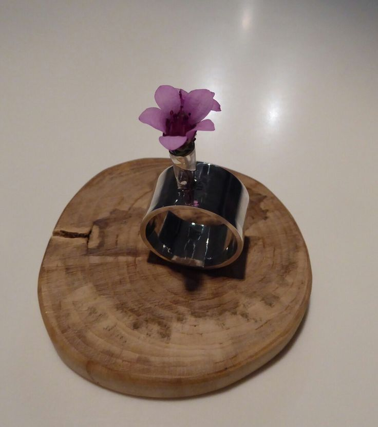 Summerring with live flower