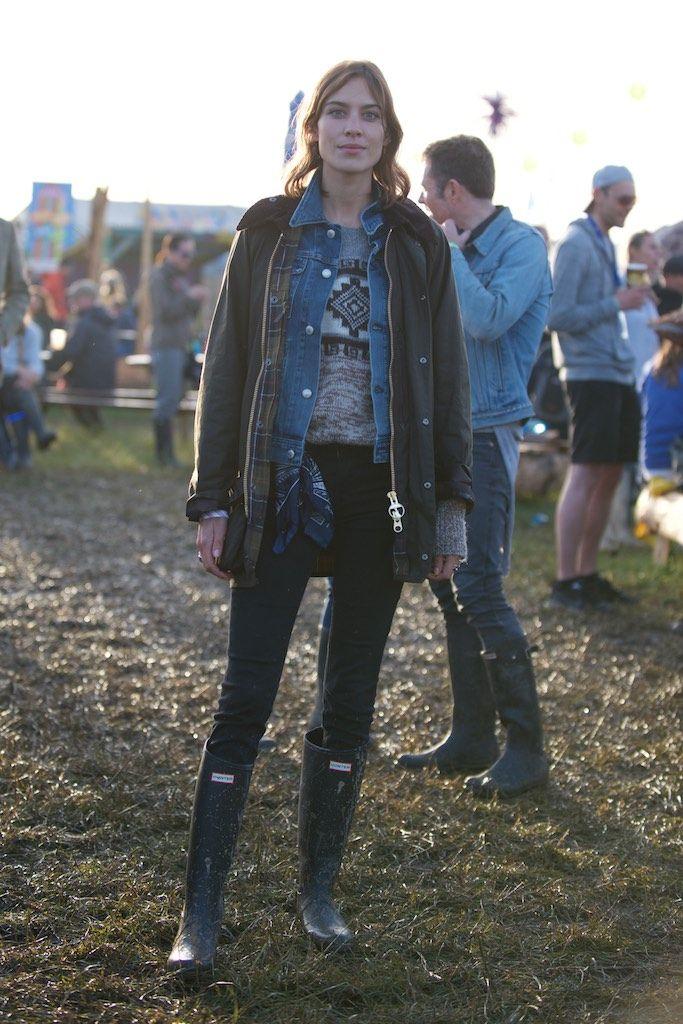 Alexa Chung wearing Hunter Original boots at the Glastonbury festival 2015