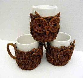 Tazas buho realizadas con papel de periódico reciclado  -  Owl Mugs made with…