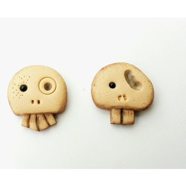 Stud earrings skull fashion spooky polymer clay geekery geek jewelry... (30 PLN) ❤ liked on Polyvore featuring jewelry, earrings, clay earrings, bronze earrings, stud earrings, christmas jewelry and christmas stud earrings