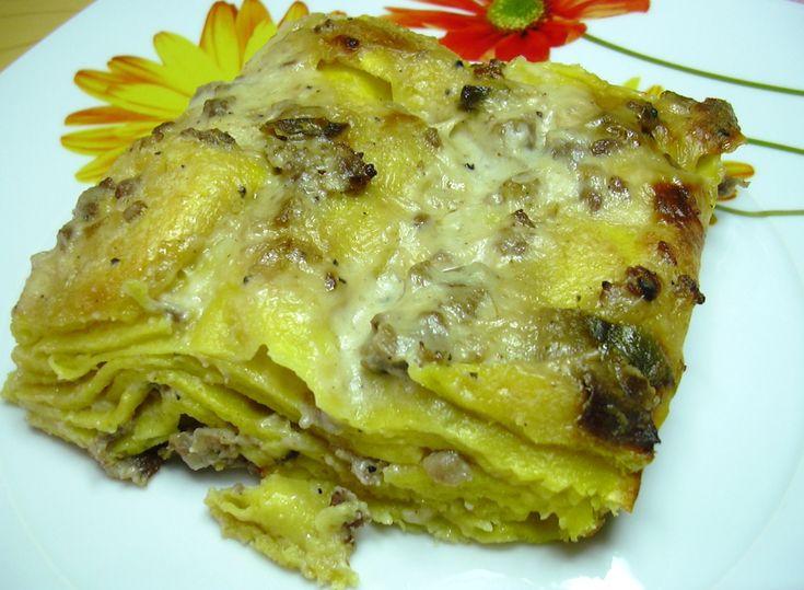 Lasagne bianche con salsiccia, porcini e salsa reale al tartufo