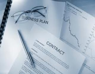 Business law differs from state to state in US and at request legal services; one can find a business lawyer in US. One can find enough help to understand the various business laws that include the tax laws, property rights and also the issues related to bankruptcy.