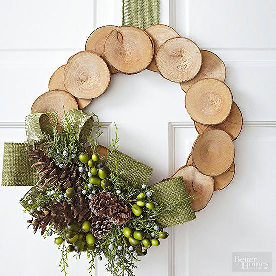 How to Make a Creative Christmas Wreath Without a Wreath Form