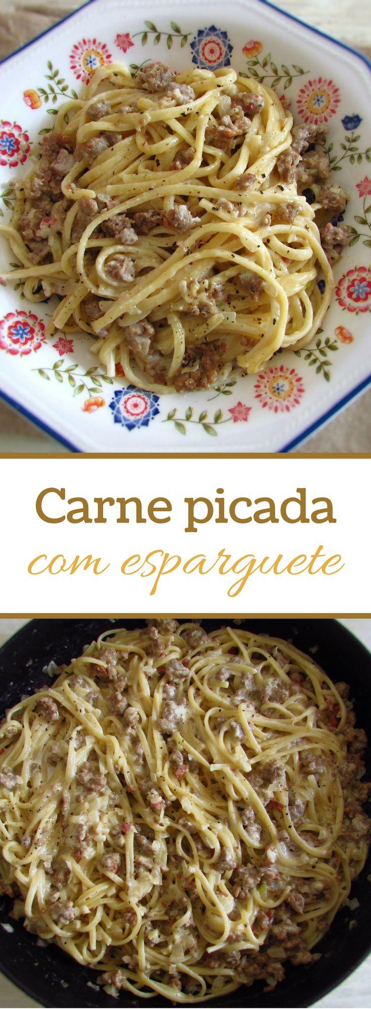 Carne picada com esparguete | Food From Portugal. Para um almoço com amigos esta receita de carne picada com esparguete é sempre bem-vinda! Todos adoram e é muito simples de preparar!! Bom apetite! #receita #esparguete #carne
