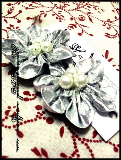 Pretty hairpins with the rounded petal fabric flower tutorial by Javeriya at Believe Inspire