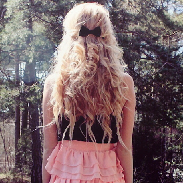 super cute hairstyle