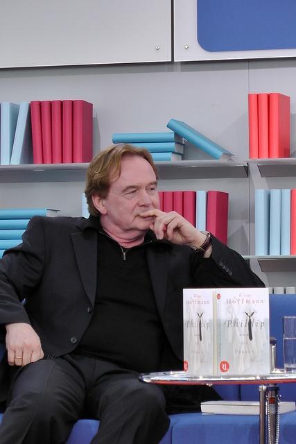 Klaus Hoffmann im Gespräch mit Christhard Laepple by Das blaue Sofa, via Flickr