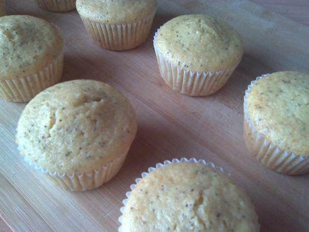 Muffins de Iogurte com Sumo de Toranja e Sementes de Papoila