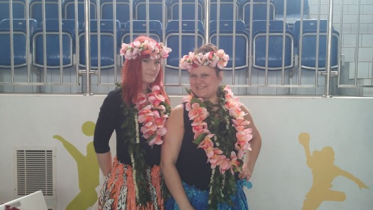 Hula dance with hula-hoop teacher! #dance #hawaii #hulahoop #dzikahistoria www.dzikahistoria.pl
