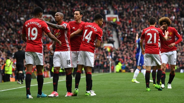 Report: Manchester United 2 Chelsea 0 - Official Manchester United Website