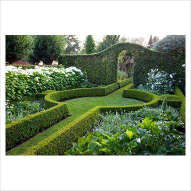 Belgian country garden. Design by Dina Deferme. Photo by Elke Borkowski. Via www.gapphotos.com.