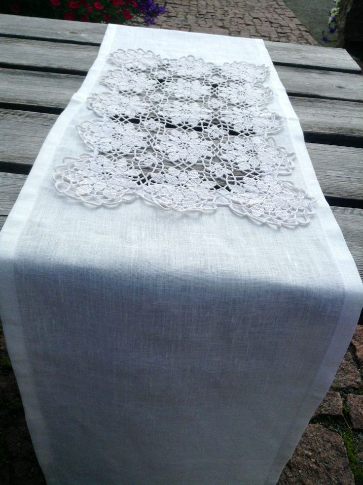 Table runner Designed by Sinipellavainen