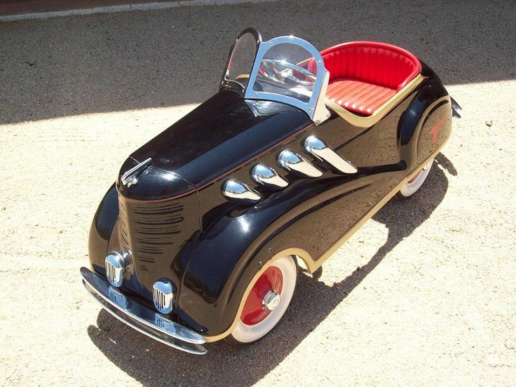 looking at this 1941 steel craft roadster pedal car makes me wanna be a kid again