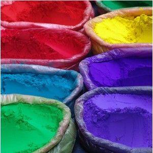 Bolsa de 10 gramos de colorante especial para jabón, soluble en agua.  Se obtiene unos colores muy vivos y brillantes, además cunde muchisimo.  Colores disponibles: rojo, verde menta, amarillo limon, azul indigo.  Pruebalos y te convenceran  http://www.apisanz.com/material-jabones/1388-colorante-jabon.html