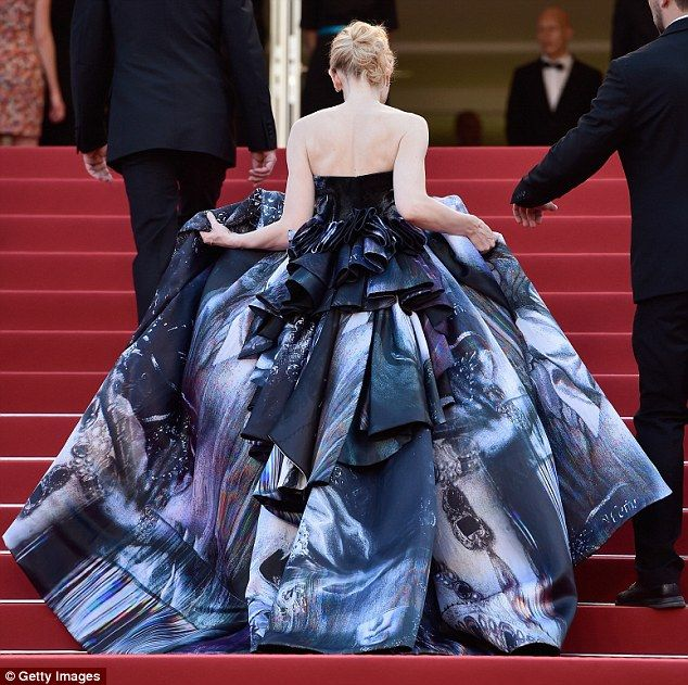 Cate Blanchett wearing Giles Deacon at Cannes 2015