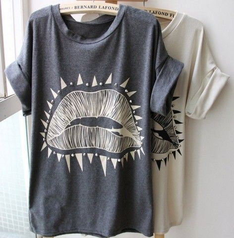Big Lips Pattern Roll Sleeve T-shirt